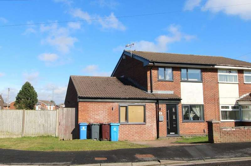 3 Bedrooms Semi Detached House for sale in Kingfisher Close