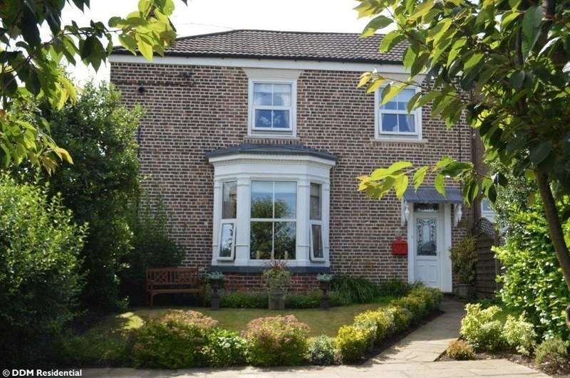 4 Bedrooms House for sale in Scawby Road, North Lincolnshire, DN20