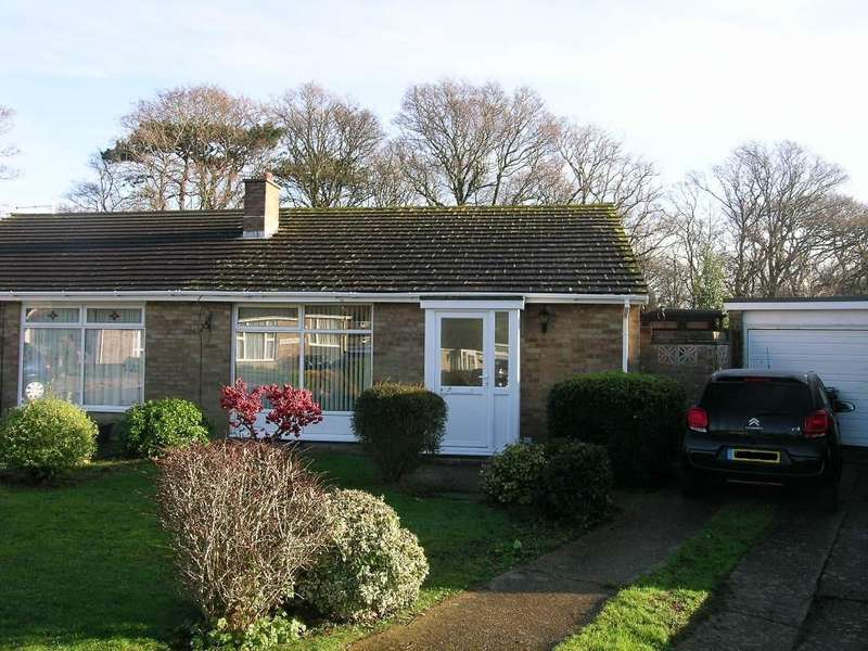 2 Bedrooms Semi Detached Bungalow for sale in Dymchurch Close, Polegate BN26 6ND