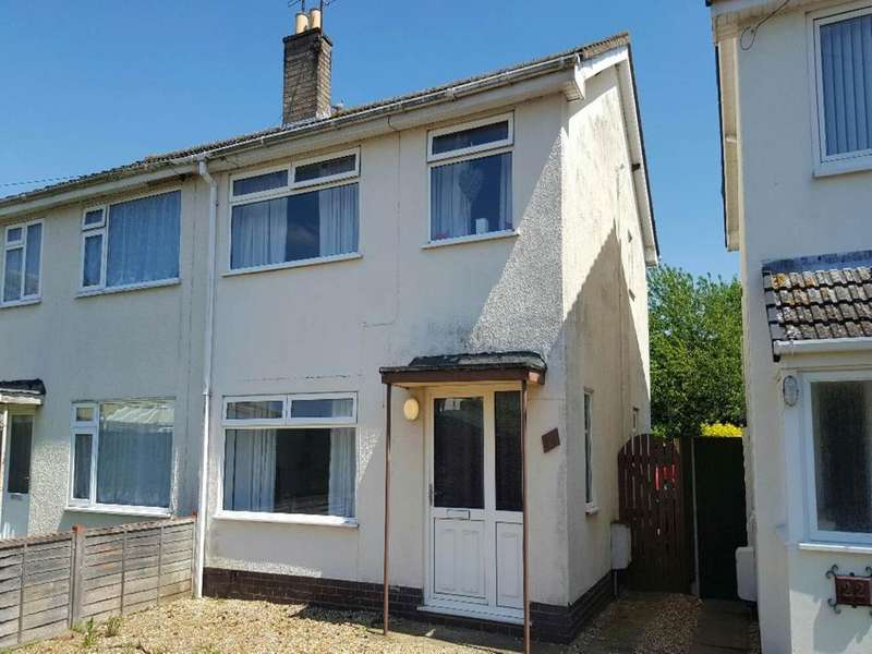 3 Bedrooms Semi Detached House for rent in Heathcote Close, March, Cambridgeshire