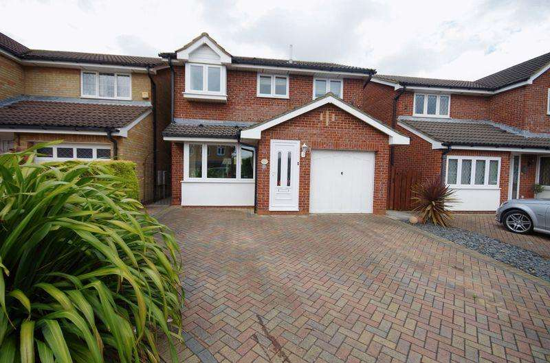 4 Bedrooms Detached House for rent in Campion Drive, Bradley Stoke, Bristol