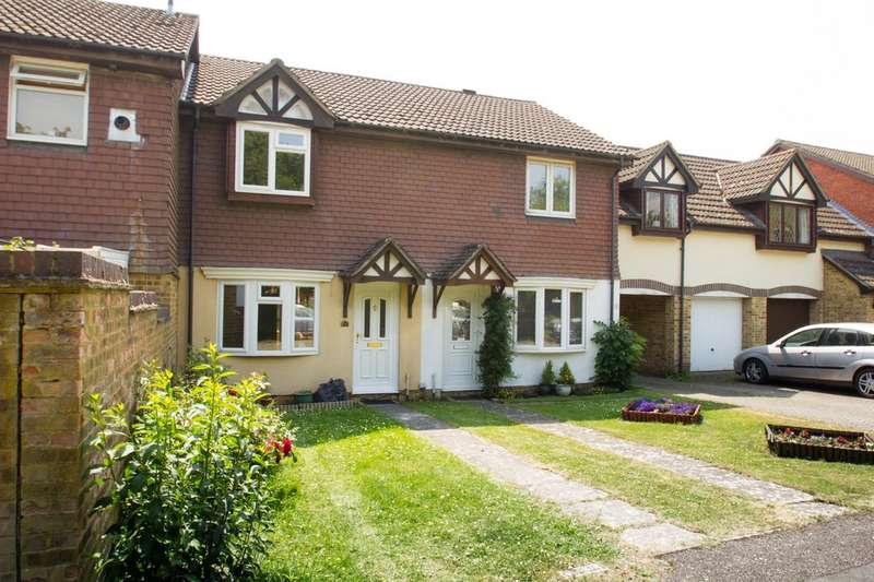 3 Bedrooms Terraced House for sale in Glenmore Park, Carterton OX18