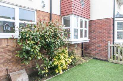2 Bedrooms Flat for sale in Gwel Yr Afon, Llandudno Junction, Conwy, North Wales, LL31