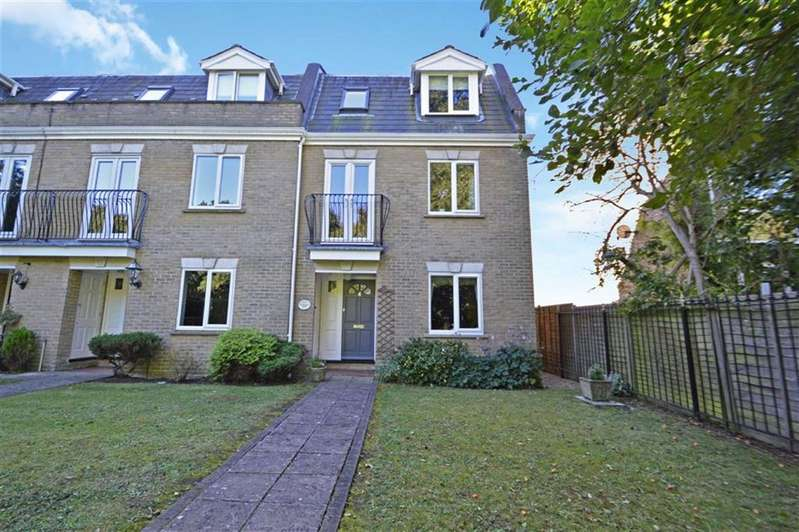 4 Bedrooms Town House for sale in The Gables, The Plain, Epping