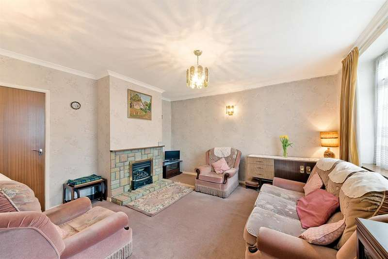 2 Bedrooms Terraced House for sale in Malmstone Avenue, Merstham, RH1 3ND