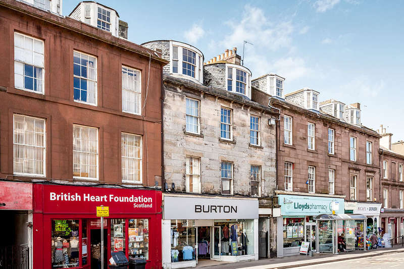 3 Bedrooms Flat for sale in High Street, Montrose, DD10