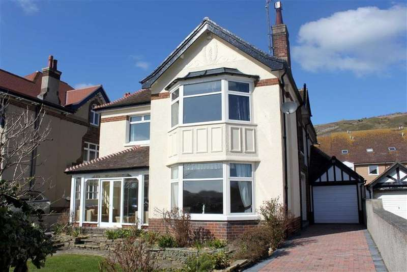 5 Bedrooms Detached House for sale in The Oval, Llandudno, Conwy