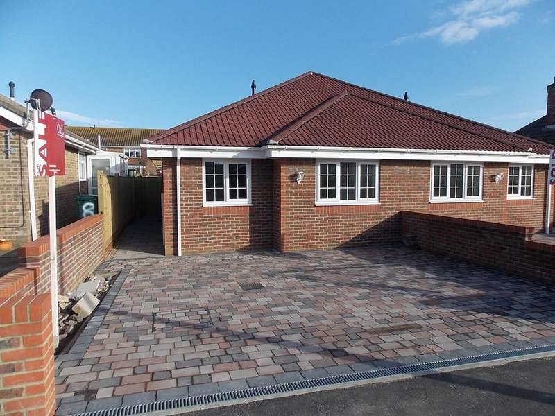 3 Bedrooms Semi Detached House for sale in Phyllis Avenue, Peacehaven, East Sussex