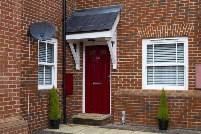 3 Bedrooms Flat for sale in Rouse Way, Colchester, Essex