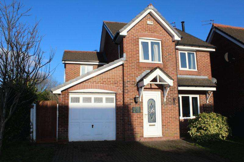 4 Bedrooms Detached House for sale in Slaidburn Close, Milnrow, Rochdale, OL16 4YE