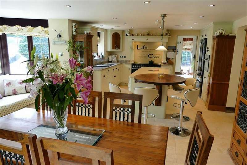 6 Bedrooms Detached House for sale in Quemerford, Calne