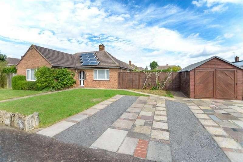 3 Bedrooms Detached Bungalow for sale in Parr Drive, COLCHESTER, Essex