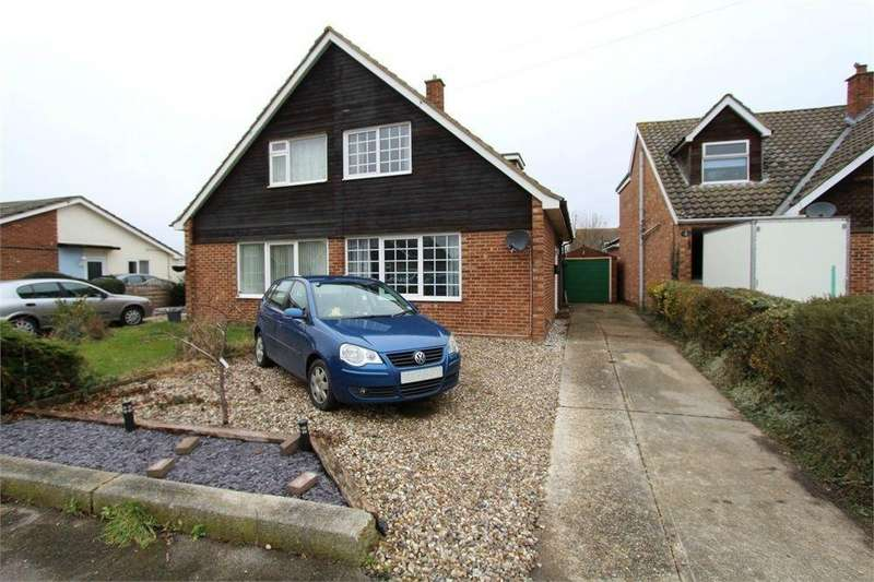 3 Bedrooms Semi Detached House for sale in Field Way, Wivenhoe, Colchester, Essex