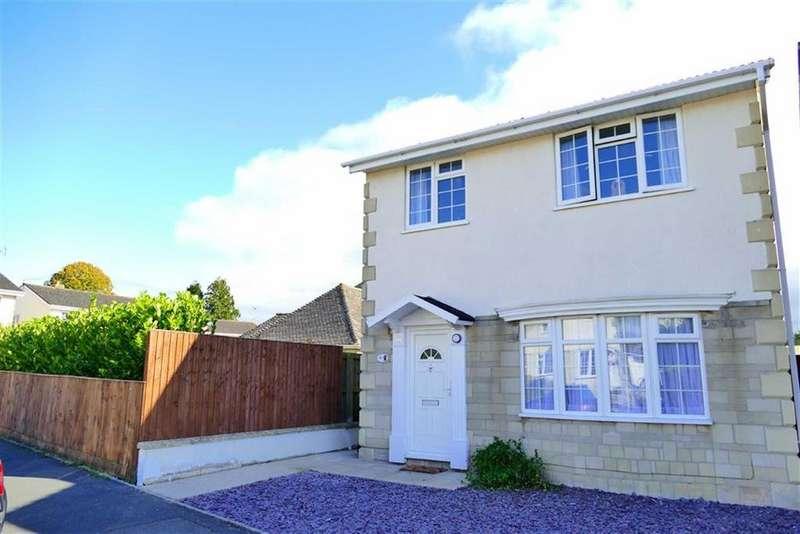 3 Bedrooms Detached House for sale in Curzon Close, Curzon Park, Calne