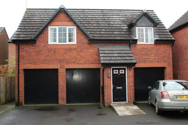 2 Bedrooms Detached House for sale in Newbold Hall Gardens, Rochdale, OL16 3AL