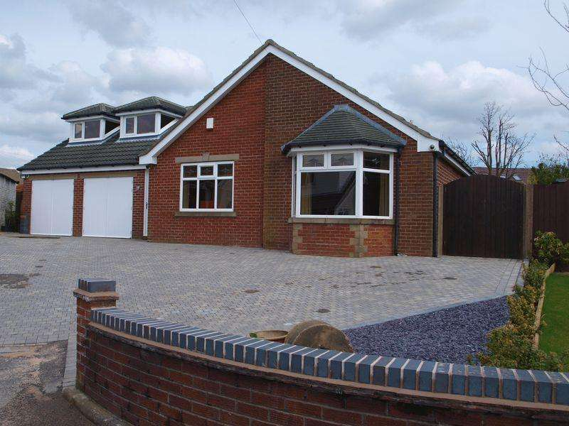 4 Bedrooms Detached House for sale in Avon Close, Milnrow, Rochdale, OL16 3EY