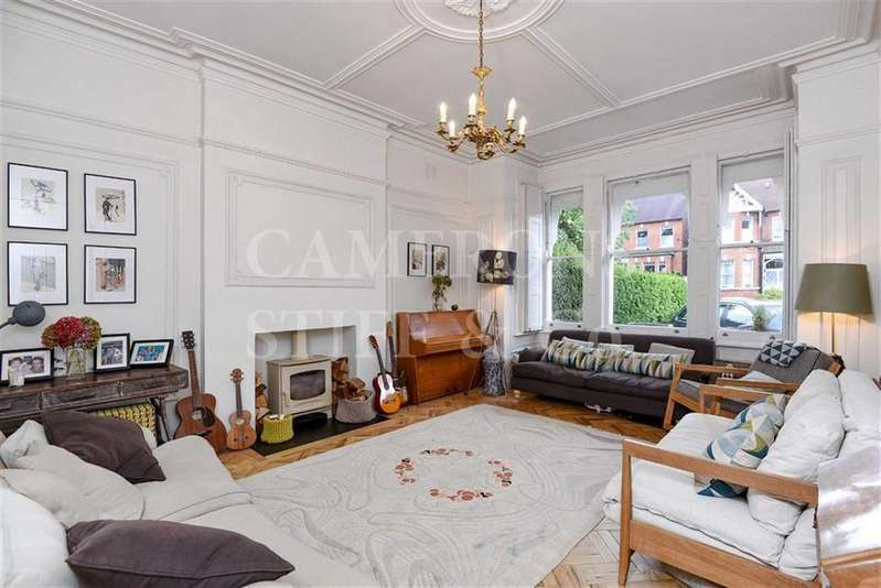 4 Bedrooms Apartment Flat for sale in Walm Lane, Mapesbury Conservation Area, London, NW2