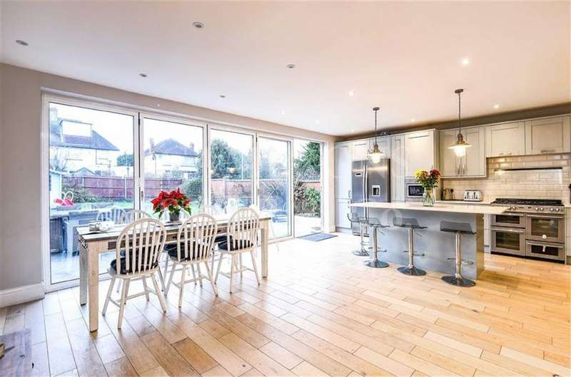 5 Bedrooms Detached House for sale in Greenfield Gardens, Cricklewood, London, NW2