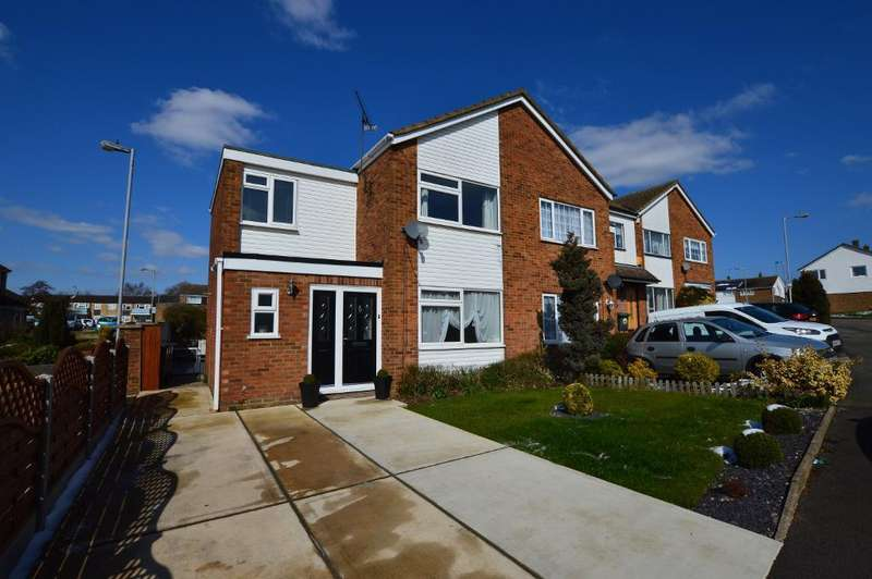 3 Bedrooms End Of Terrace House for sale in Seaford Close, Stopsley, Luton, LU2 8JX
