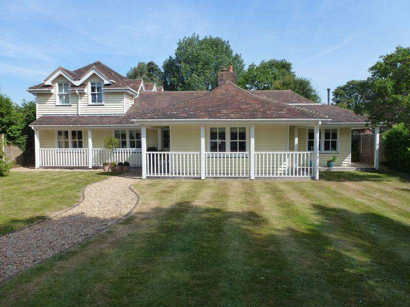 4 Bedrooms Detached House for rent in Itchenor, Nr Bosham / Chichester, West Sussex