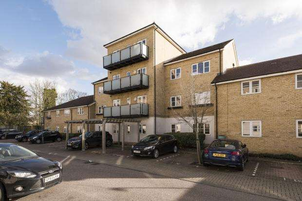 2 Bedrooms Apartment Flat for sale in Talehangers Close, Bexleyheath, DA6