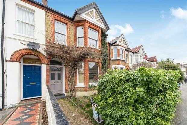 3 Bedrooms Semi Detached House for sale in Oaklands Road, LONDON