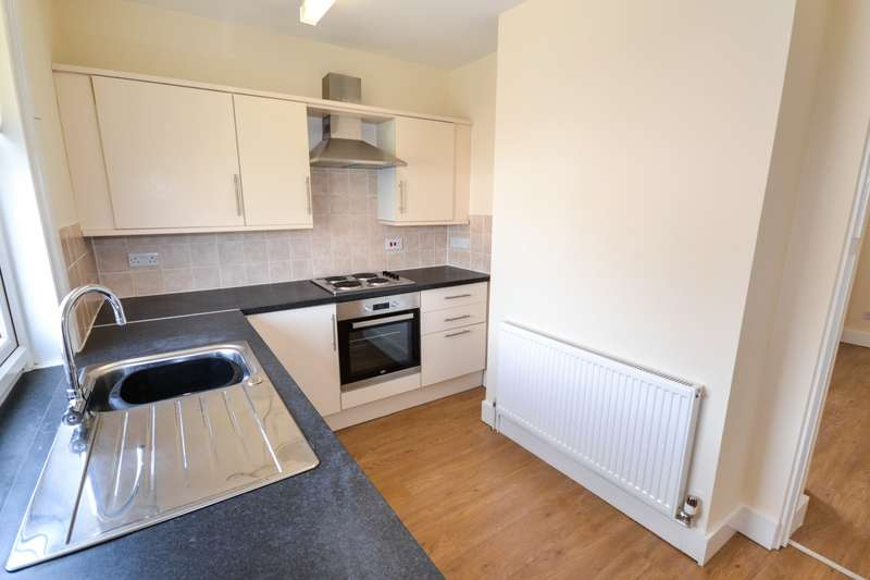 3 Bedrooms Flat for sale in Cavendish Place, Eastbourne, BN21