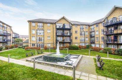 2 Bedrooms Flat for sale in Chafford Hundred, Grays, Essex