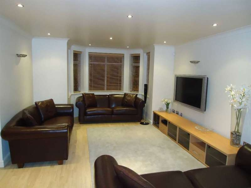 2 Bedrooms Apartment Flat for rent in Maycroft House, Mossley Hill