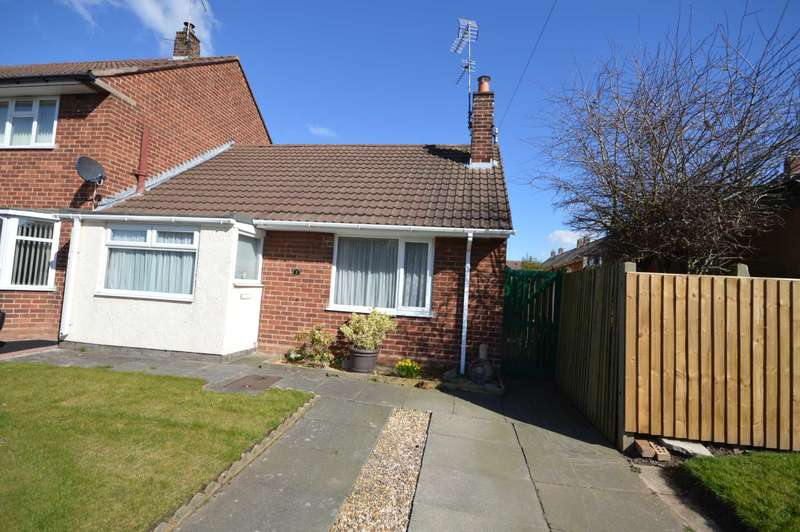 2 Bedrooms Bungalow for sale in Kelsall Close, Eastham