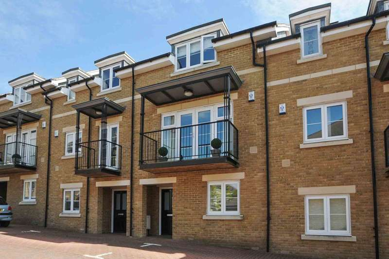 4 Bedrooms Town House for sale in Mary Price Close, Harberton Heights