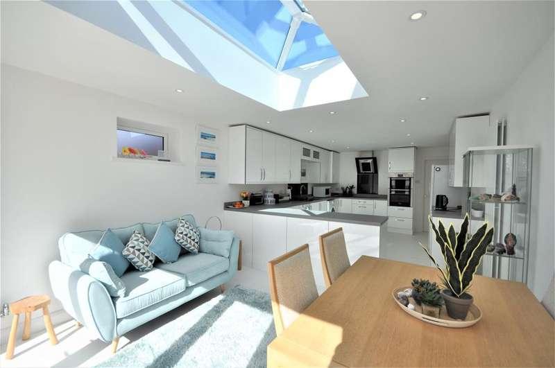 2 Bedrooms Detached House for sale in Southlands, Kirkham, Preston, Lancashire, PR4 2TR