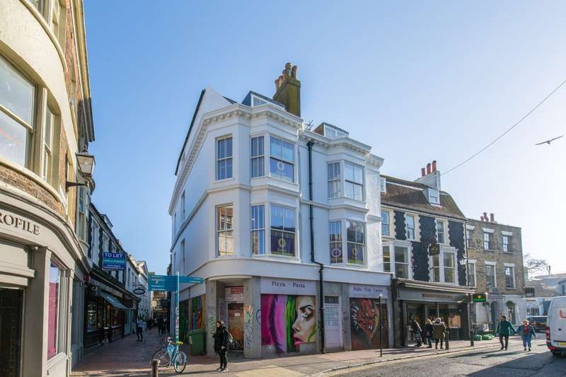 2 Bedrooms Flat for sale in Ship Street, Brighton, BN1 1AF