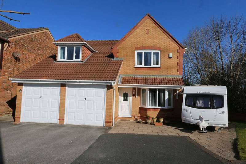 4 Bedrooms Detached House for sale in The Grange, Cottam, Preston, Lancashire, PR4