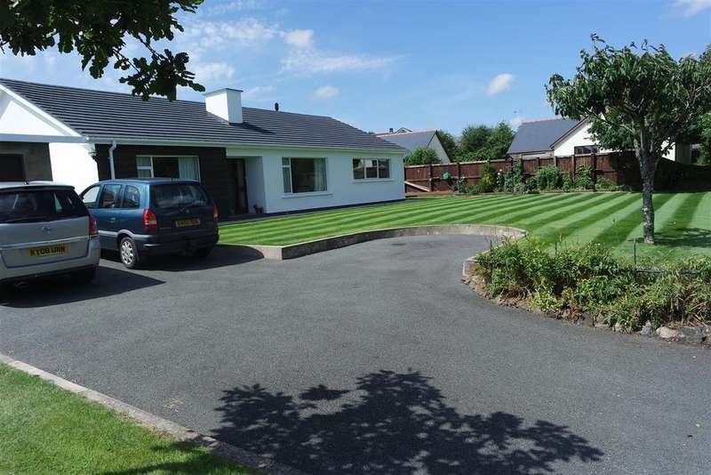 4 Bedrooms Bungalow for sale in Pill Road, Hook, Haverfordwest