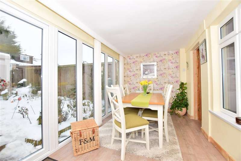 4 Bedrooms End Of Terrace House for sale in Farnham Close, Rainham, Gillingham, Kent