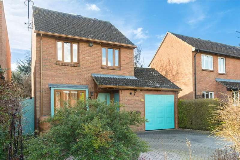 3 Bedrooms Detached House for sale in Beverley Gardens, St. Albans, Hertfordshire