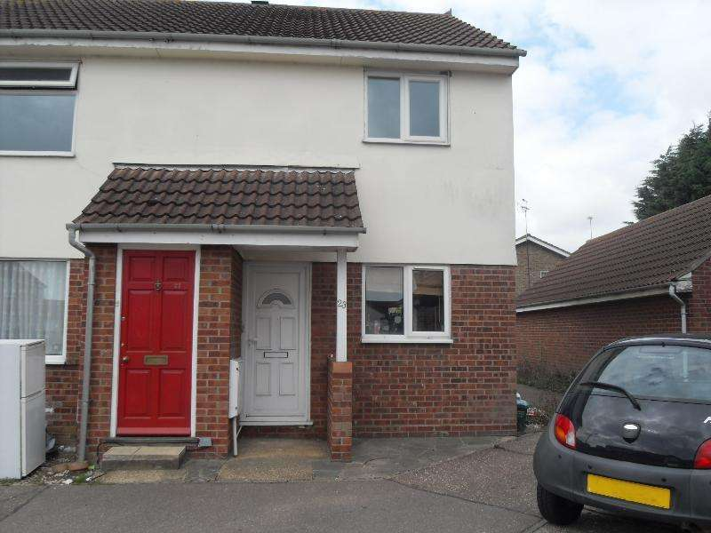 2 Bedrooms Flat for rent in Hyacinth Close, Clacton-on-Sea, Essex, CO16 7DG
