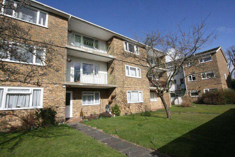 2 Bedrooms Apartment Flat for sale in Rushams Road, Horsham