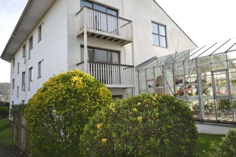 2 Bedrooms Flat for sale in Powys House, Sidmouth