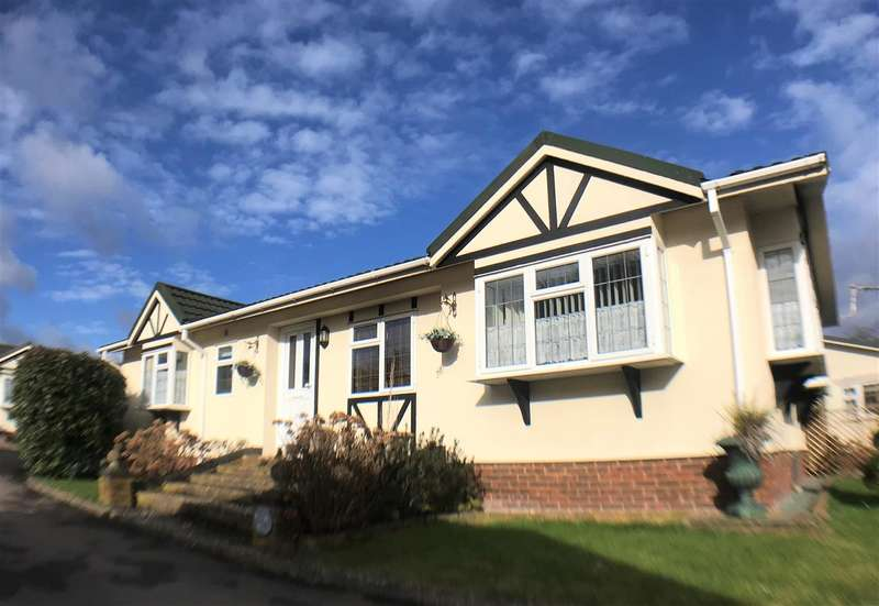 2 Bedrooms Park Home Mobile Home for sale in Layters Green Mobile Home Park, Layters Lane, Chalfont St Peter