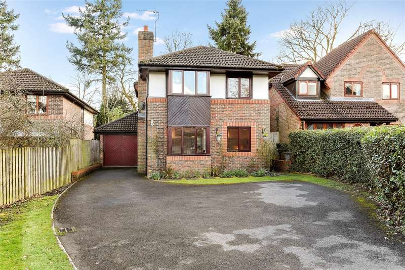 4 Bedrooms Detached House for sale in Berrycroft, Warfield, Berkshire, RG12