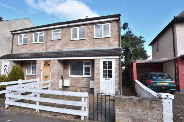 2 Bedrooms Maisonette Flat for sale in Waterloo Road, Uxbridge