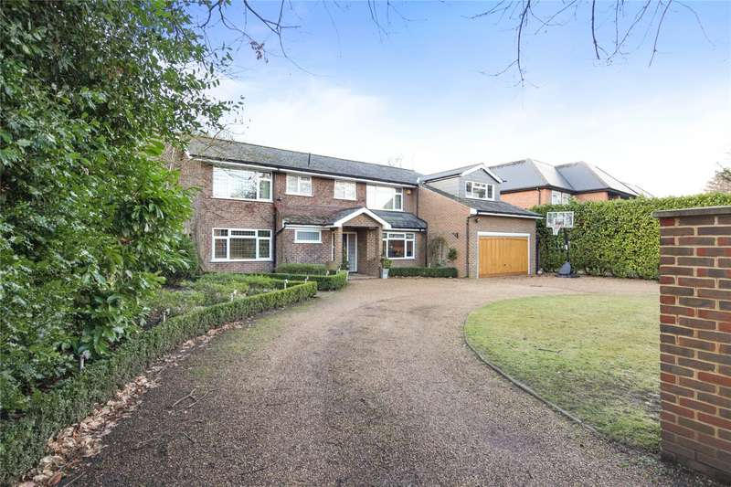 5 Bedrooms Detached House for sale in Broom Way, Weybridge, Surrey, KT13
