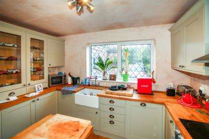 3 Bedrooms Mews House for sale in Crofters Court, Holmes Chapel, Crewe, Cheshire