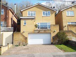 4 Bedrooms Detached House for sale in Sunningvale Avenue, Biggin Hill, Kent