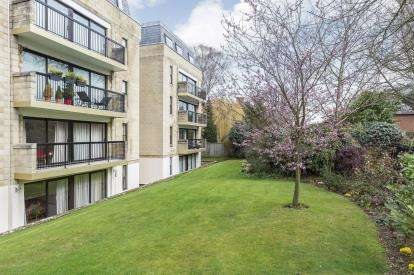 2 Bedrooms Flat for sale in Western Court, Western Road, Cheltenham, Gloucestershire