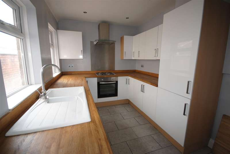 3 Bedrooms Terraced House for sale in Northumberland Street, Whelley, Wigan.