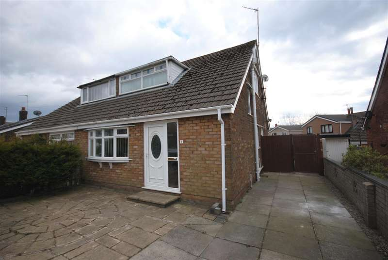 3 Bedrooms Semi Detached Bungalow for sale in Sandown Road, Wigan