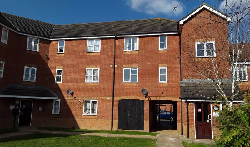 2 Bedrooms Flat for sale in Riverbank Way, Ashford, Kent, TN24 0PZ